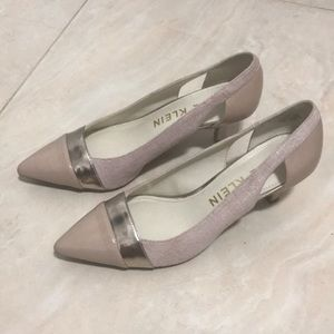 Nude Pink High-heel shoes size 7.5